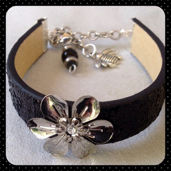 Black Sparkle Flower Bracelet Bling